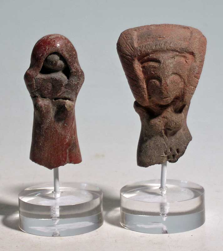 Pair of excellent Valdivia busts from Ecuador