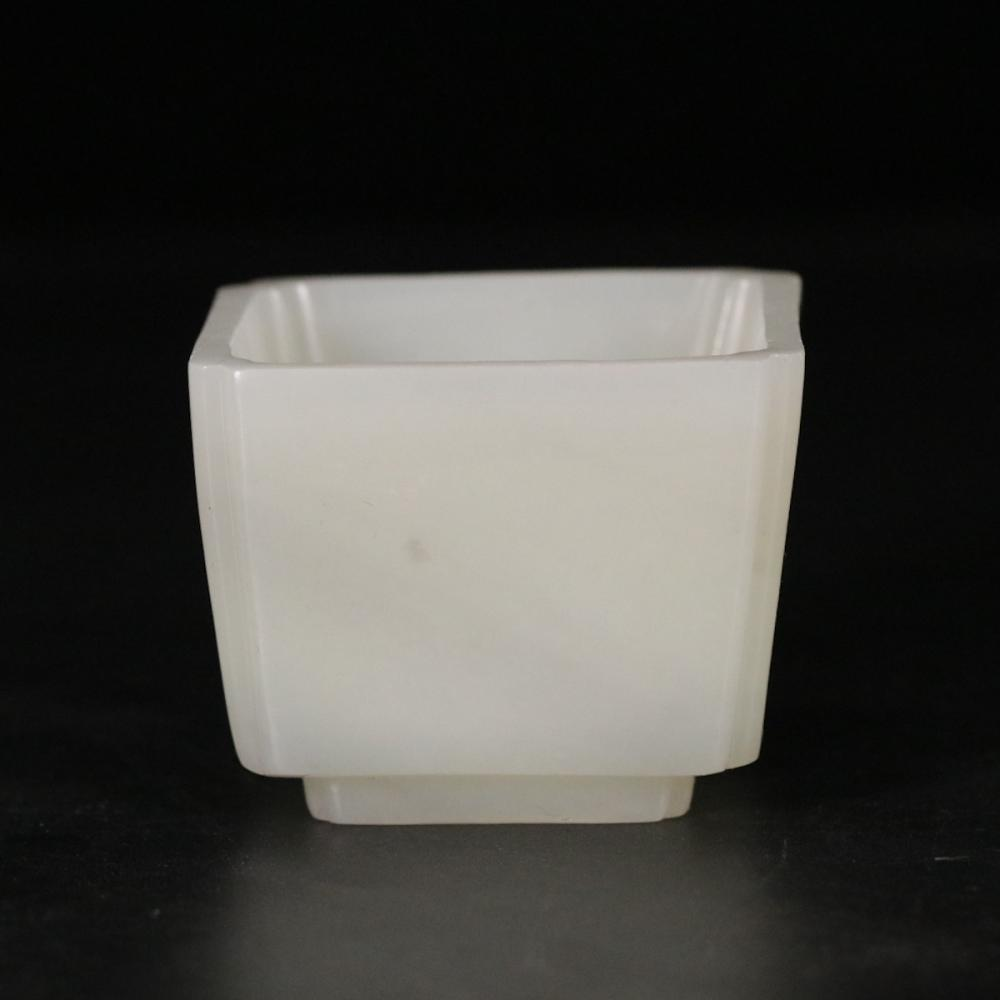 CHINESE WHITE JADE TEACUP