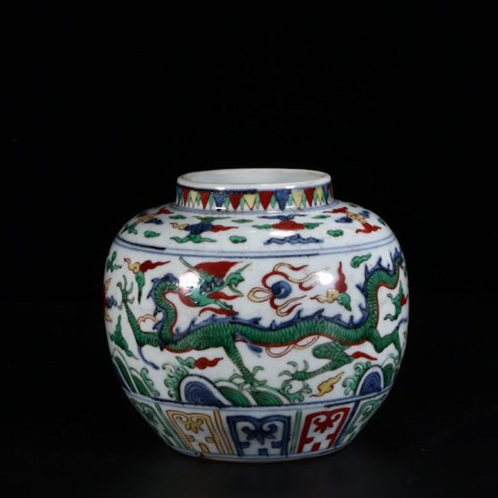CHINESE DOUCAI PORCELAIN JAR