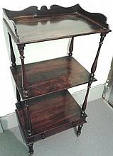 Victorian mahogany étagère 'what-not' with three