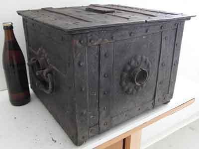 17TH CENTURY GERMAN WAR ARMADA CHEST STRONGBOX COFFER