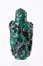 A Malachite Carved Snuff Bottle