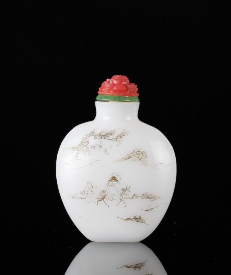 Mid Qing Chinese Incised White Glass Snuff Bottle