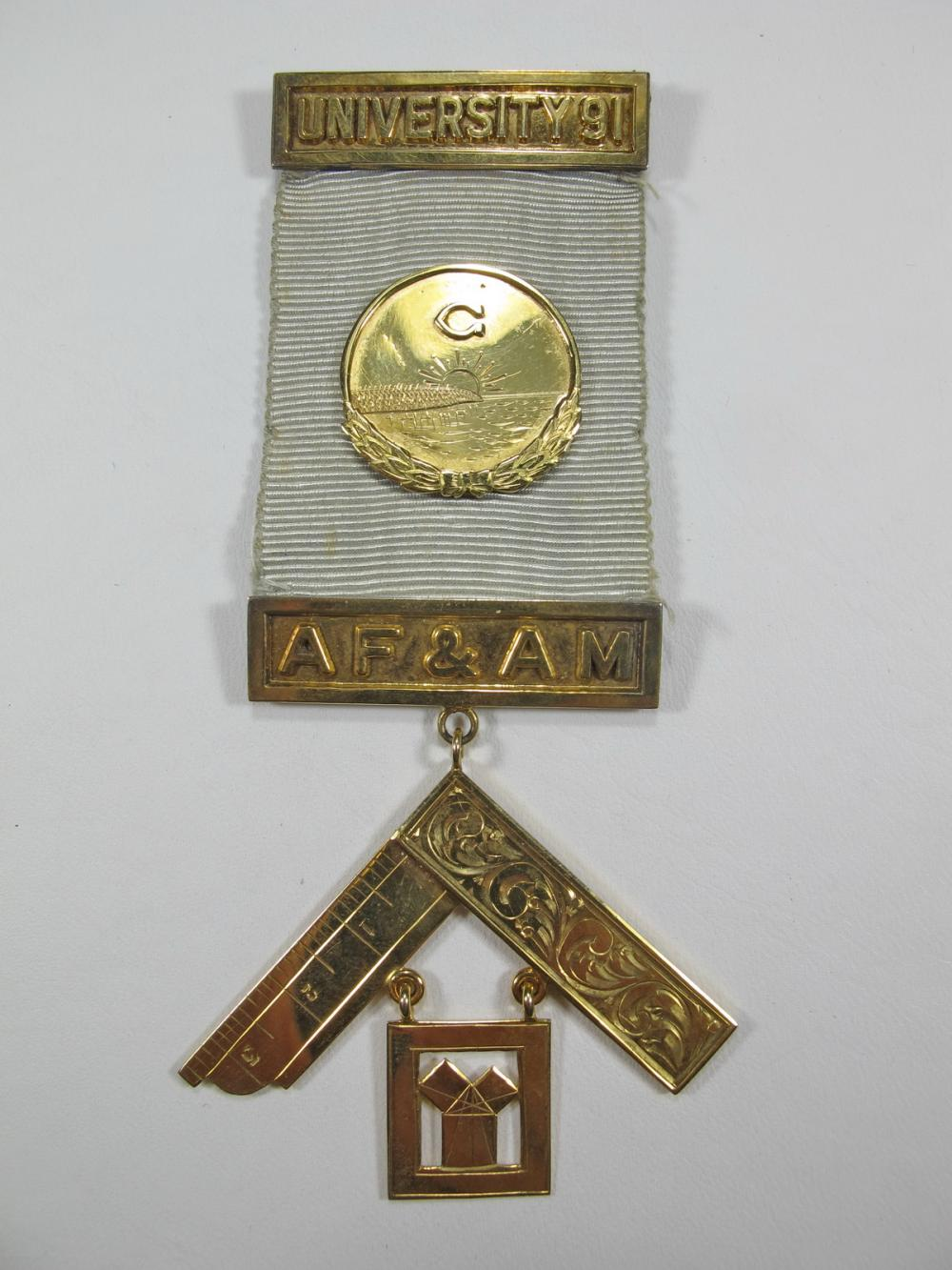 Masonic 10K gold Worshipful Past Master jewel