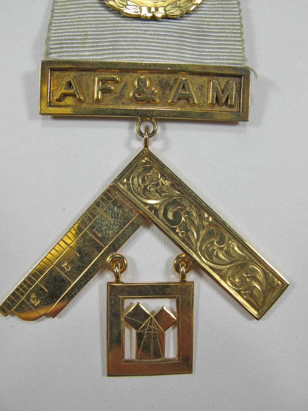 Masonic 10K gold Worshipful Past Master jewel