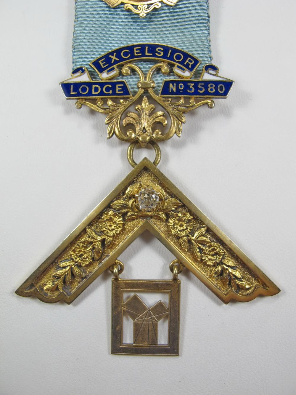 14k Gold Masonic Worshipful Master jewel