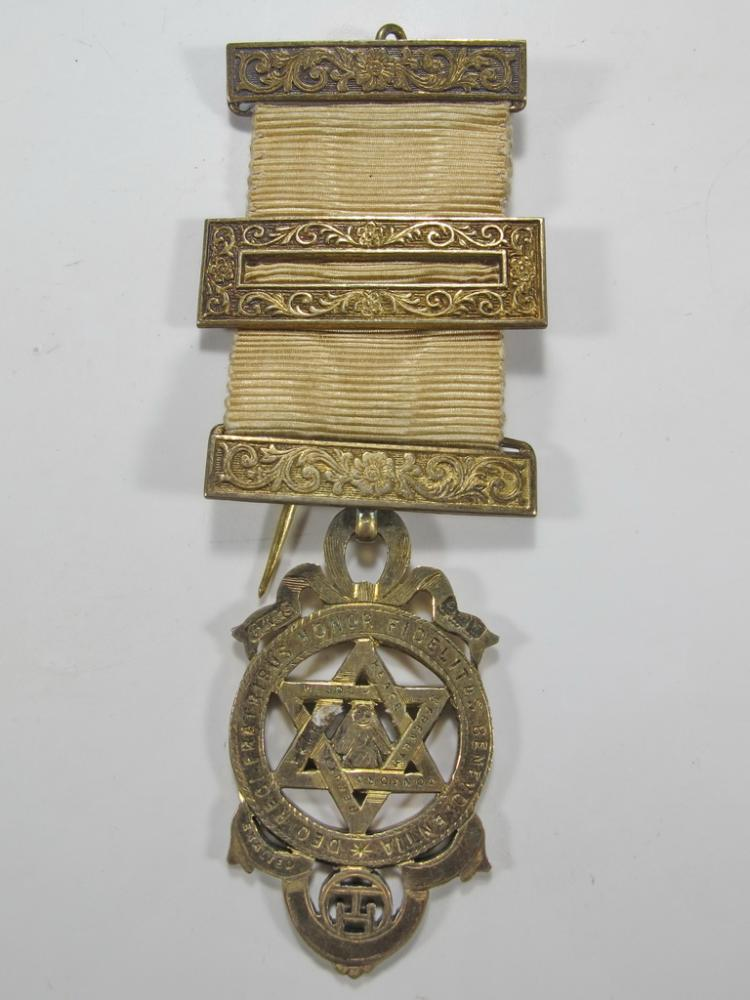 Antique Masonic stamped G. Kennings & son gilt silver jewel