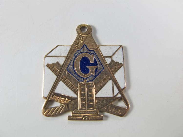 9K gold and enamel Freemasonry pendant