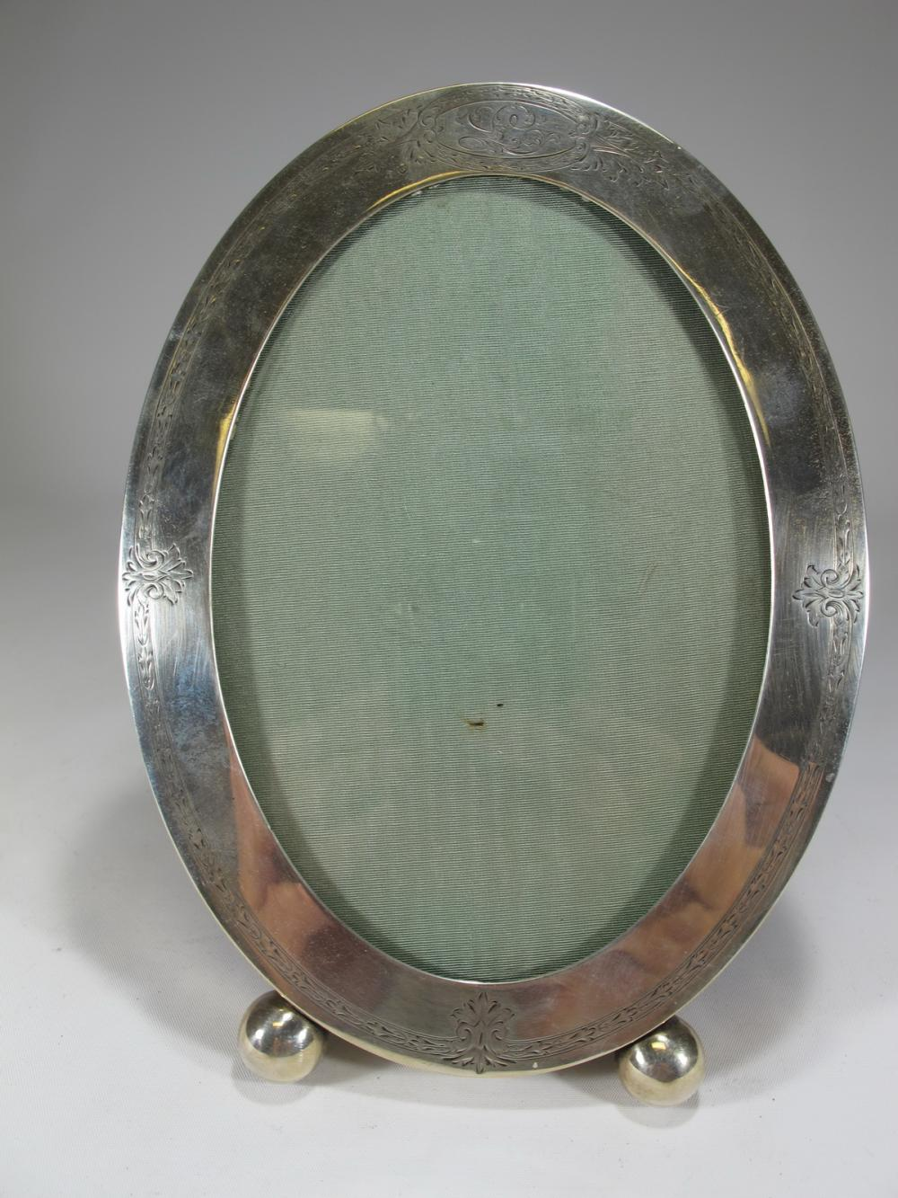 Picture Frames for Sale at Online Auction | Buy Rare Picture Frames