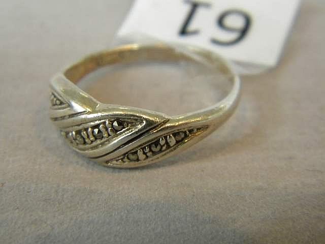 Vintage Ladies' Sterling Silver Ring Size 8