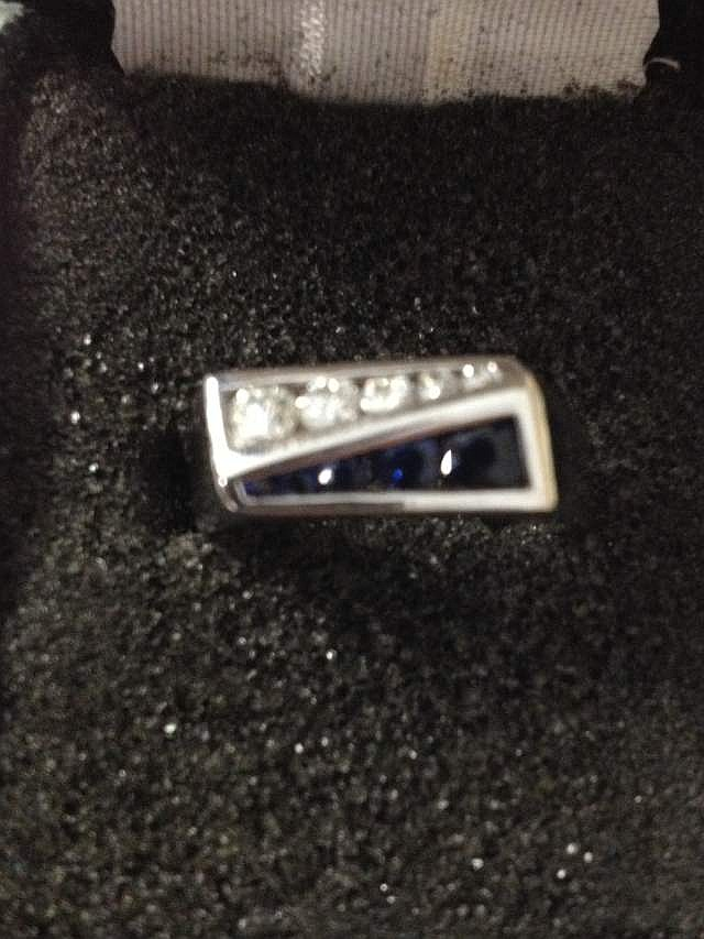 Nice Heavy 14k Gold Mens Diamond & Sapphire Ring size 9