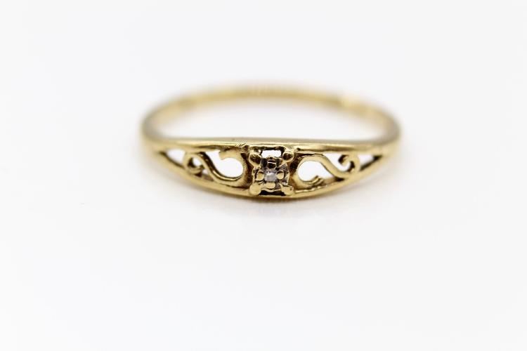 10K Yellow Gold & Diamond Ring