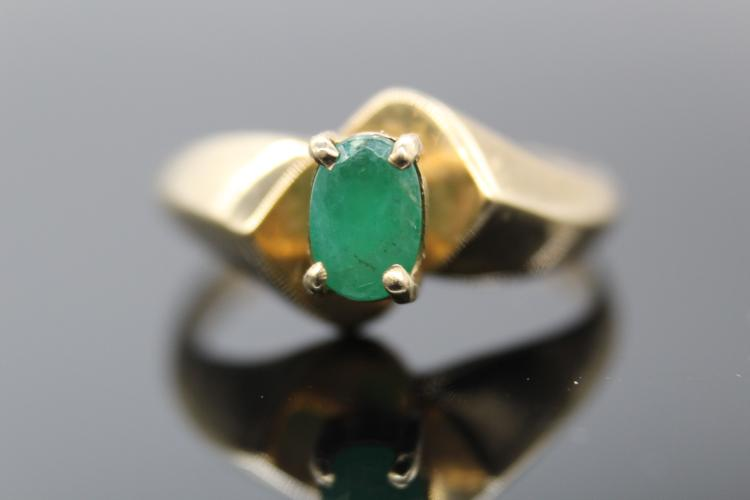14k Yellow Gold Emerald Ring Size 7