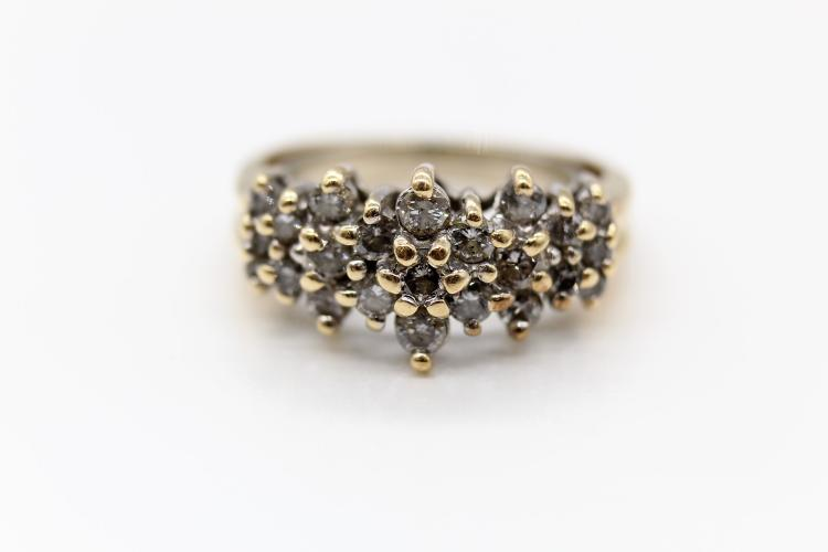 Beautiful 14K Floral Diamond Cluster Ring