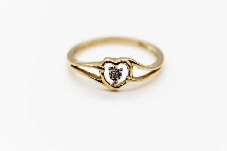 10K Yellow Gold Heart & Diamond Ring