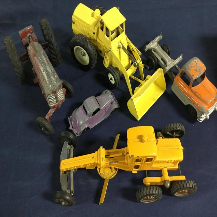 LOT OF 4 HUBLEY AND 1 ERTL TOYS