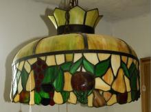 TIFFANY STYLE STAINED GLASS HANGING CHANDELIER