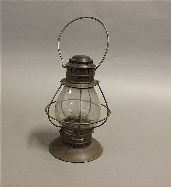 RAILROAD LANTERN M & CRR BRASS TOP BELL BOTTOM WHEEL CUT GLOBE