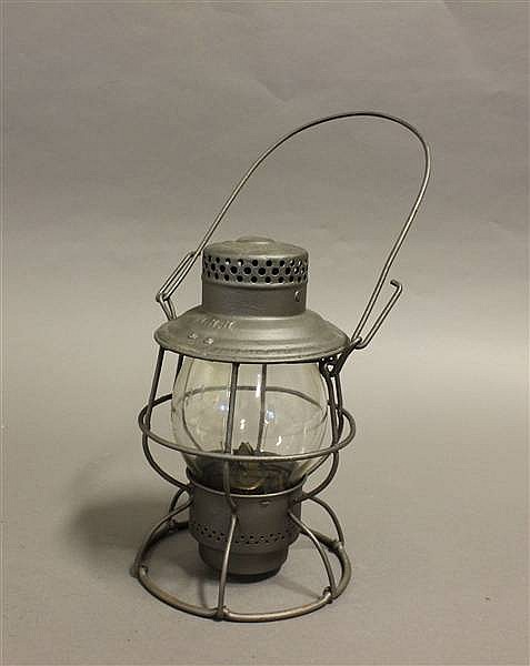 RAILROAD LANTERN L & N RELIABLE CLEAR CAST GLOBE