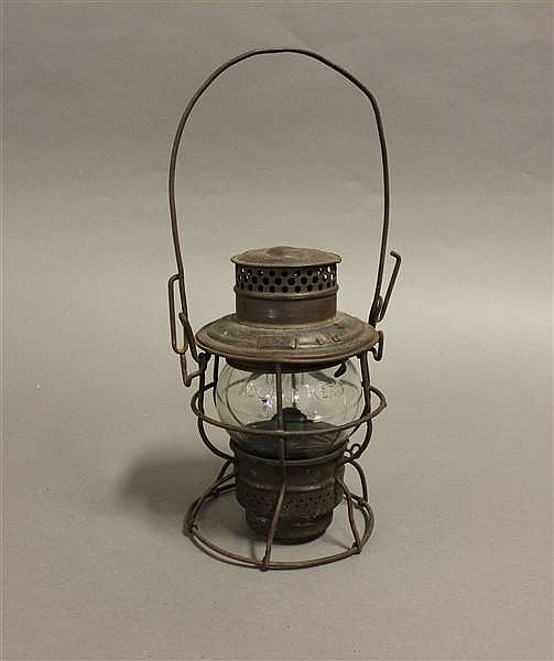 RAILROAD LANTERN HOCKING VALLEY KERO CLEAR ETCHED GLOBE C & O