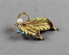 STAMPED 750 18K YELLOW GOLD LEAF PIN WITH PEARL AND TURQUOISE ACCENTS, 1 3/4
