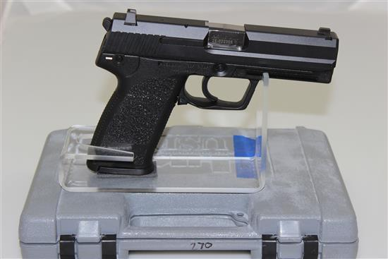HK MODEL USP .45 AUTO CALIBER SEMI-AUTO PISTOL SN: 25-022305, INCLUDING 2 MAGAZINES AND ORIGINAL BOX