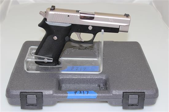 SIG SAUER MODEL P220 .45 AUTO CALIBER SEMI-AUTO PISTOL SN: G276246, INCLUDING  MAGAZINES AND ORIGINAL BOX