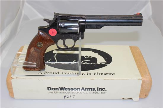 DAN WESSON .357 MAG CALIBER REVOLVER SN: 283265, INCLUDING ORIGINAL BOX