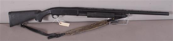 BROWNING MODEL BPS 10 GAUGE PUMP SHOTGUN SN: 15552NZ192, INCLUDING SLING
