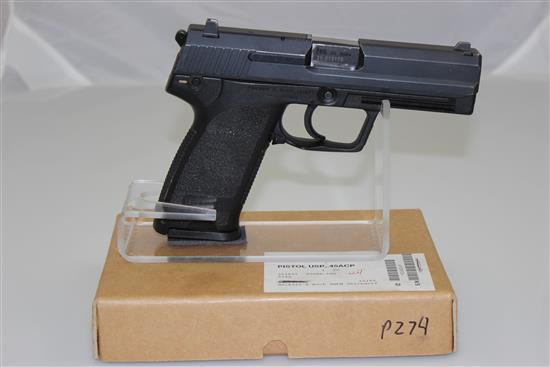 HECKLER & KOCH MODEL USP .45 AUTO CALIBER SEMI-AUTO PISTOL SN: 25-013178, INCLUDING 2 MAGAZINES, IN SHIPPING BOX