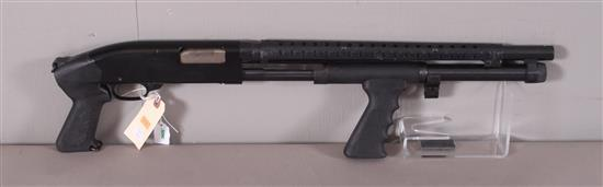 MOSSBERG MODEL 500 12 GAUGE PUMP SHOTGUN SN: L1405400, PISTOL GRIP AND HEAT SHIELD