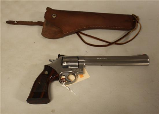 SMITH & WESSON MODEL 686-1,