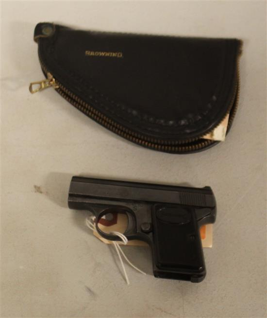 BROWNING ARMS CO. CAL. 6MM/35 SEMI-AUTO POCKET PISTOL, SN:334290, LEATHER CASE, NO MAGAZINE