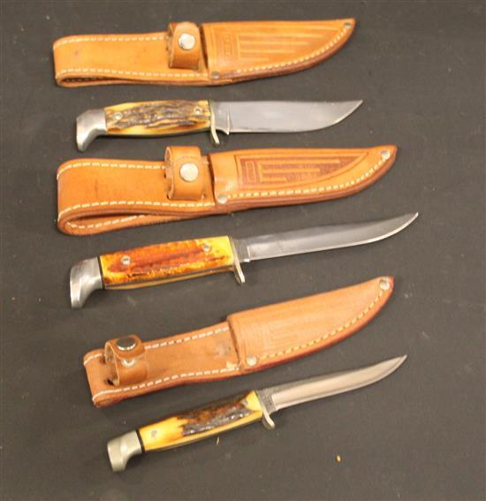 (3) 1965-1980 FIXED BLADE KNIVES INCLUDING ONE STAMPED 557