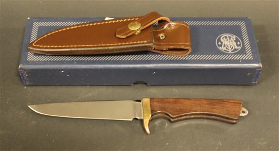 SMITH AND WESSON 6050 FISHERMAN KNIFE WITH SHEATH AND BOX