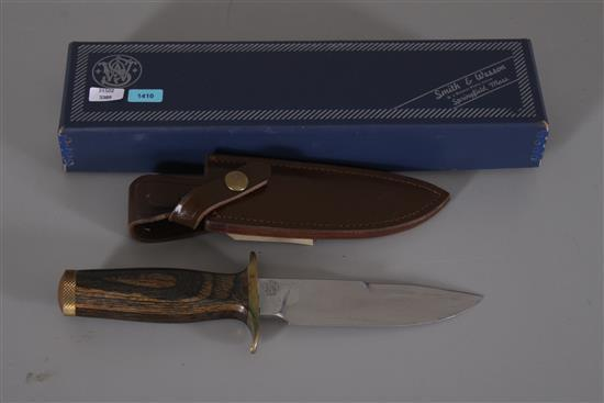 SMITH AND WESSON SURVIVAL KNIFE MODEL 6030 WITH ORIGINAL BOX