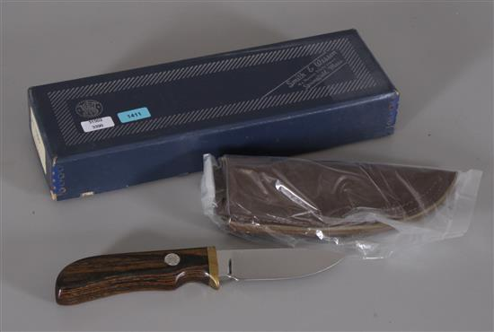 SMITH AND WESSON SKINNER KNIFE MODEL 6070 WITH ORIGINAL BOX AND SHEATH