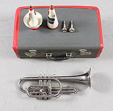 BUESCHER SILVER TONE TRUMPET SERIAL #467799 INCLUDING HARD CASE, 16 1/2