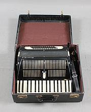 GIUSEPPE VENUTI MODEL KING BOY ACCORDION INCLUDING HARD CASE