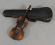 GERMAN STRADIVARIUS COPY VIOLIN INCLUDING HARD CASE AND BOW, 24