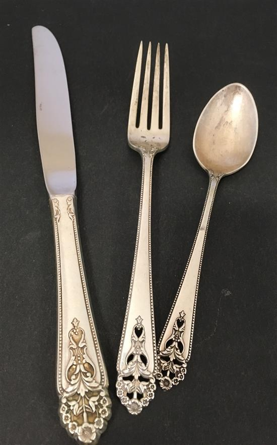 NEARLY NEW CONDITION INTERNATIONAL QUEEN/'S LACE STERLING SILVER PLACE FORK
