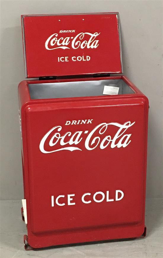 chest style coca cola cooler 24 x 16 x 34 restored. Black Bedroom Furniture Sets. Home Design Ideas