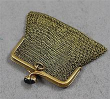 STAMPED 585, 14K YELLOW GOLD SMALL MESH COIN PURSE, 1 3/4