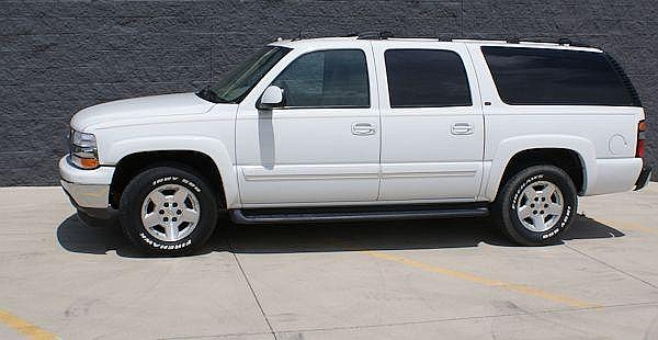 2005 CHEVROLET SUBURBAN ~ older owner no longer able to drive 92,000 miles