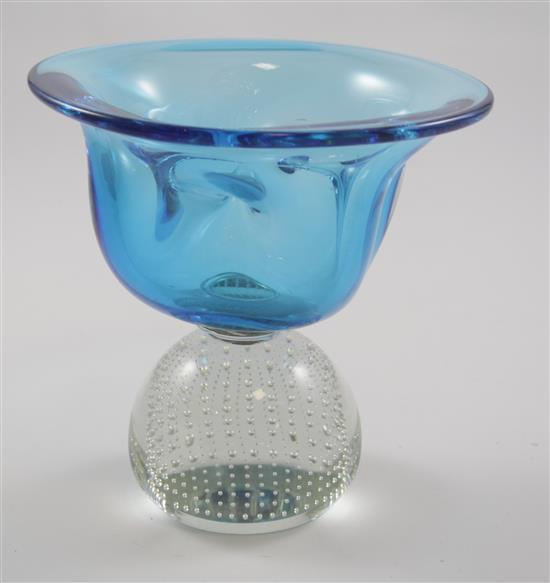 ERICKSON GLASS AZURE PINCHED VASE ON CRYSTAL CONTROLLED BUBBLE BASE WITH PULLED GLASS INTERIOR STRANDS FOR FLOWER ARRANGEMENT, 7.5