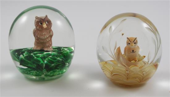 2 JOE ST CLAIR PAPERWEIGHTS WITH SULPHIDE OWL FIGURES, 3.5