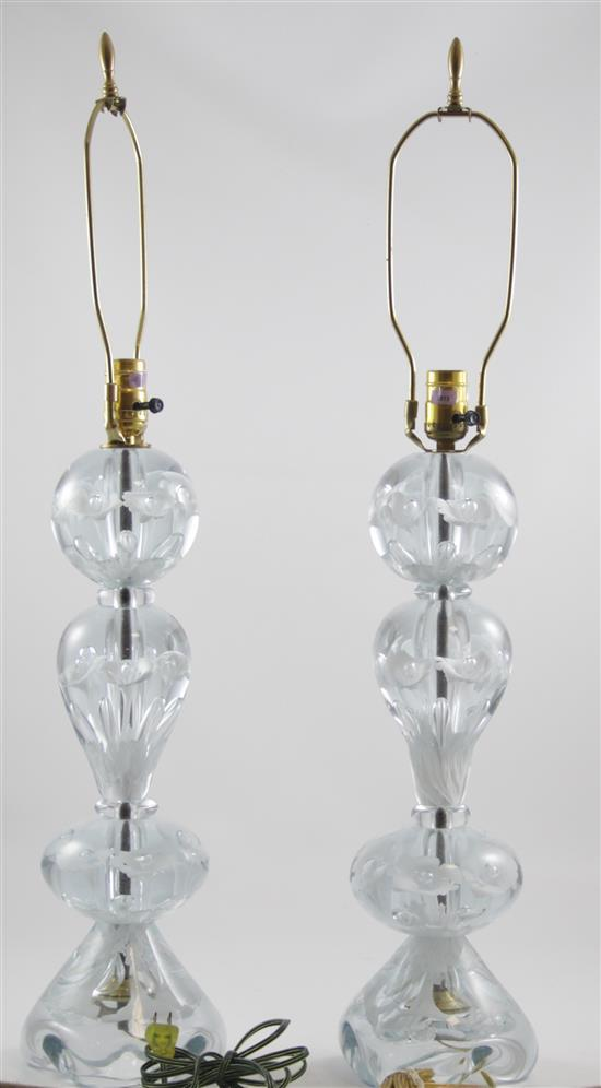 PAIR GIBSON TABLE LAMPS WITH WHITE TRUMPET FLOWERS, 32