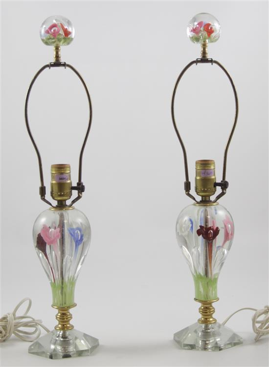 PAIR UNMARKED GLASS TABLE LAMPS WITH VARIOUS COLORED TRUMPET FLOWERS, 21
