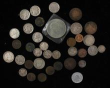 MIXED LOT INCLUDING BARBER QUARTERS, MERCURY DIMES, BUFFALO AND JEFFERSON NICKELS, INDIAN HEAD CENTS, AND FOREIGN COINS