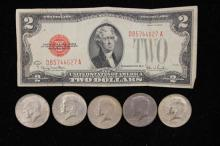MIXED LOT INCLUDING SERIES 1928 TWO DOLLAR RED SEAL NOTE AND (4) 40% KENNEDY HALF DOLLARS